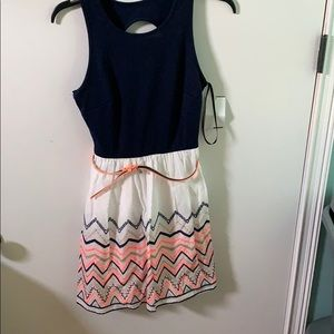 Dresses & Skirts - Summer dress with back cut out and peach belt